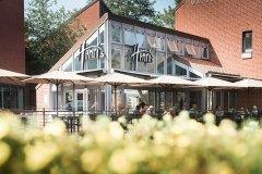 cafe-restaurant-henris-aussen-terasse